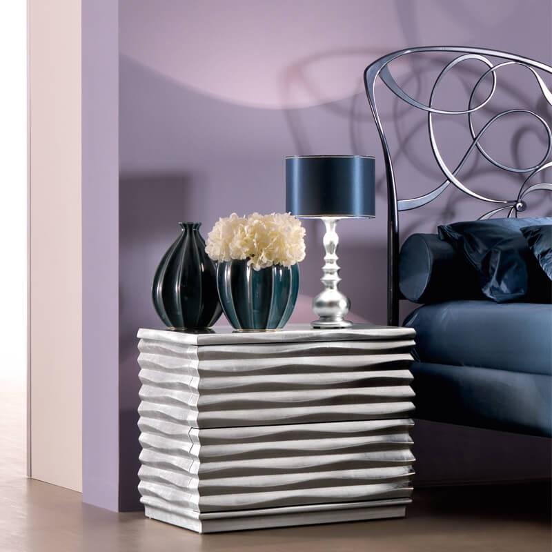 Modern Tasarımlı Gümüş Varak Komodin