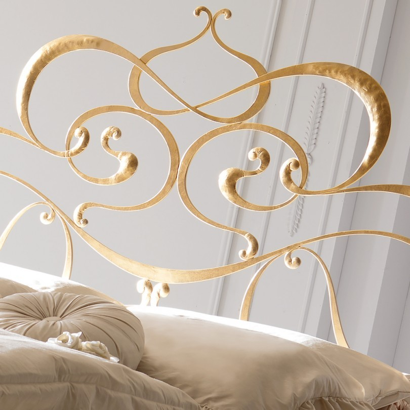 Süslemeli Tasarım Altın Varak Yatak