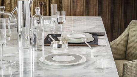 Asimetrik Denge Mermer Yemek Masası