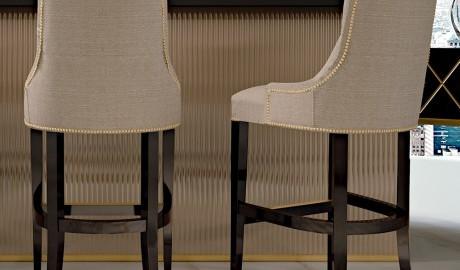 Modern İtalyan Döşemeli Bar Sandalyesi